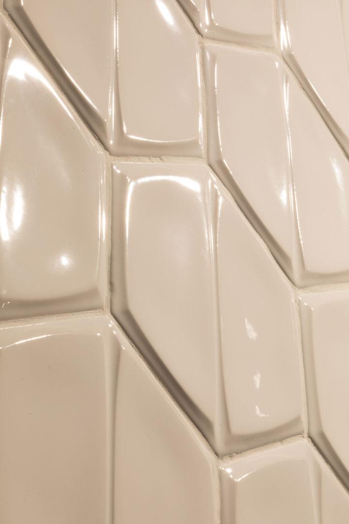 Magnolia-Wall-Tile-Scene-Caramel-Glossy-1