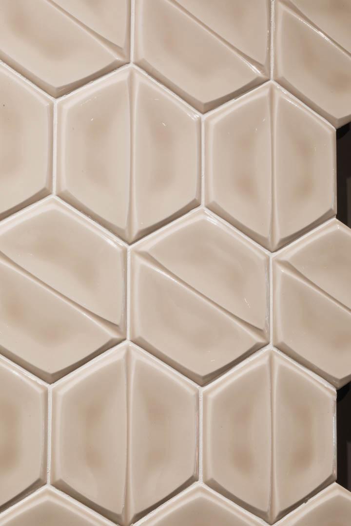 Magnolia-Wall-Tile-Scene-Caramel-Glossy-2